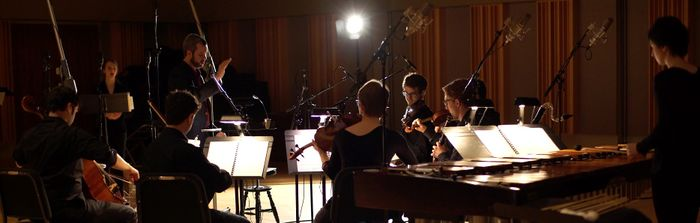 700px-Recording-Strings-01-Wide.jpg
